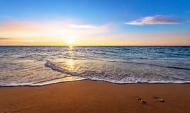 Seascape under solnedgång Arkivfoto