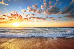Seascape under solnedgång Arkivbilder
