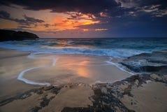 Seascape wschód słońca z spływaniem Zdjęcia Royalty Free