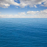 Seascape z deap oceanem nawadnia Fotografia Stock