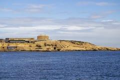 Seascape z widokiem fort Tigne przy Tigne punktem, Sliema Malta Obrazy Royalty Free