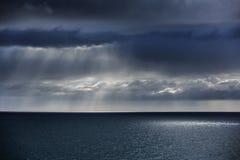 Seascapes с изумительными облаками стоковое изображение