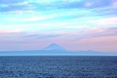 seascapes Vari generi di cielo blu variopinto, di sole, di nuvole e di spazi aperti dell'oceano del mondo fotografie stock