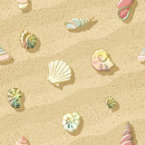 Seashells auf dem Strand, nahtloser Hintergrund, Abbildung Lizenzfreies Stockfoto