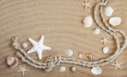 Seashells i morze dekoracje z arkaną Fotografia Royalty Free