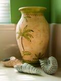 Seashells ouvrés dans la salle de bains Photos libres de droits