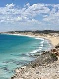 Seashore бирюзы в взгляде южной Австралии от скалы песчанной дюны Стоковые Фотографии RF