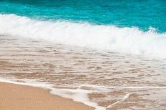 Seashore, волны и песчаный пляж Стоковое фото RF