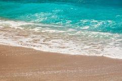 Seashore, волны и песчаный пляж Стоковая Фотография