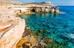 Seashore в Aiya Napa около накидки Greco, Кипра Стоковые Изображения