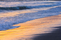 Seashore на заходе солнца Стоковые Изображения RF