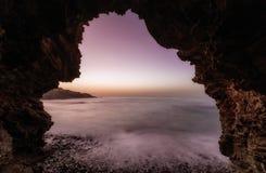 Seashore на ноче Море Крита стоковое фото rf