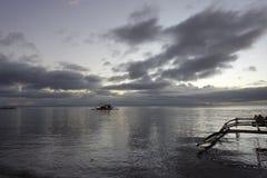 Seashore przy świtem Zdjęcie Stock