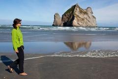 Seashore spacer Zdjęcie Royalty Free