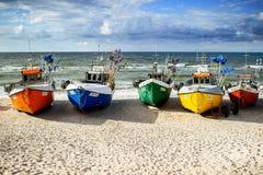 seaside Barcos na praia Imagens de Stock Royalty Free