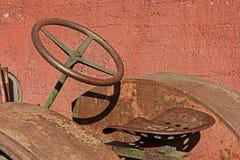 Seat de Rusty Trator idoso Fotografia de Stock