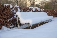 Seat ha coperto di neve immagini stock libere da diritti