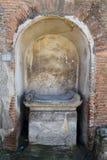Seat i alkovet, Pompeii arkeologisk plats, nr Mount Vesuvius, Italien Arkivbild