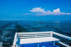 Seat op de boot op zee stock afbeeldingen