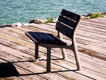 Seat para descansar da madeira imagens de stock royalty free