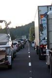 SEATTLE - 6 DE JULIO: El tráfico se para para las millas como Imagen de archivo