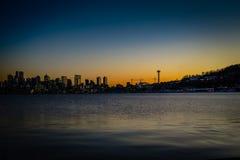 Seattle al tramonto fotografie stock libere da diritti