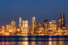 Seattle bij nacht Stock Afbeelding