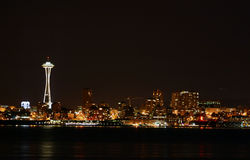 Seattle bij nacht stock fotografie