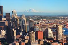 Seattle city view. With Mount Rainier in the background Stock Photo