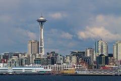 Seattle Cityline med utrymmevisaren Royaltyfria Bilder