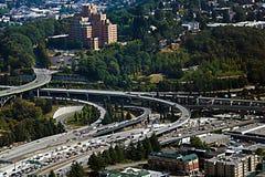 Seattle, de V.S., 30 Augustus, 2018: Satellietbeeld van weg op verscheidene niveaus stock foto's