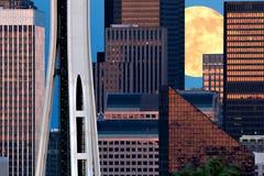 Seattle e luna Fotografia Stock