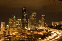 Seattle en la noche foto de archivo libre de regalías