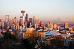 Seattle en la puesta del sol Foto de archivo libre de regalías