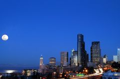 Seattle en Moonset Imagenes de archivo
