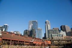 Seattle Ferris Wheel et Puget Sound Photographie stock libre de droits
