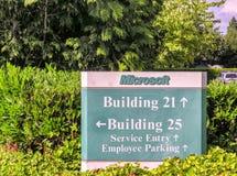 SEATTLE - 23 LUGLIO 2006: Microsoft acquartiera i segni microsoft Fotografie Stock