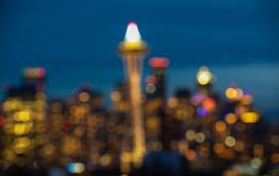 Seattle miasta głąbik z światła ruchu od autostrady przy nighttime, Waszyngton, usa - blured fotografia royalty free