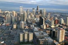Seattle momentos antes de la puesta del sol imagen de archivo libre de regalías