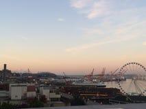Seattle morgonsikt av mer regnig arkivfoto