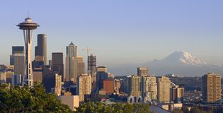 Seattle and the Mountain Royalty Free Stock Images