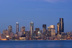 Seattle no crepúsculo Imagens de Stock Royalty Free