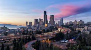 Seattle på skymning Arkivfoto