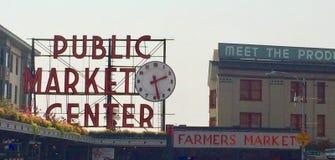 Seattle& x27; Platzzeichen s Pike lizenzfreies stockfoto
