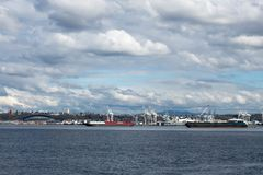 Seattle and Century Link Field Viewed from Alki Beach royalty free stock photos