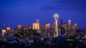 Seattle-Skyline nachts lizenzfreie stockfotografie