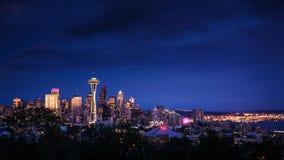 Seattle-Skyline nachts stockfotos