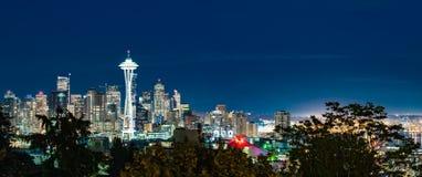 Seattle-Skyline nachts stockbilder