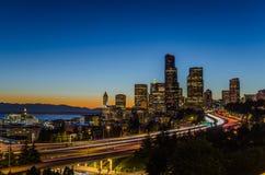 Seattle-Skyline nachts Lizenzfreie Stockfotos