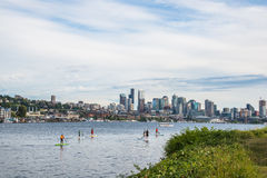 Seattle Skyline Paddle Boarders Lake Union Royalty Free Stock Images